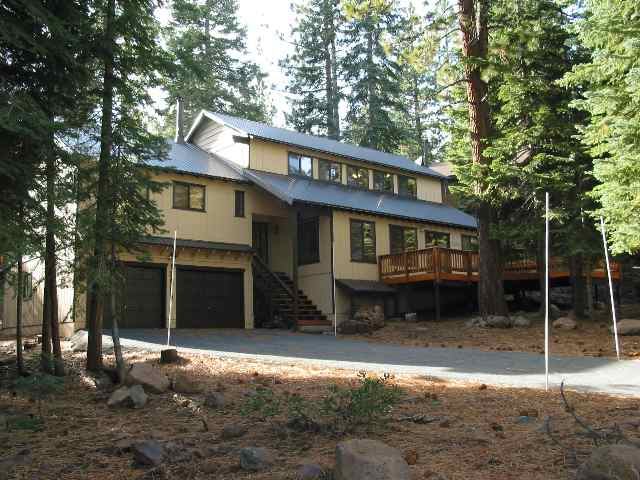 Single Family Home for Active at 13655 Davos Drive 13655 Davos Drive Truckee, California 96161 United States