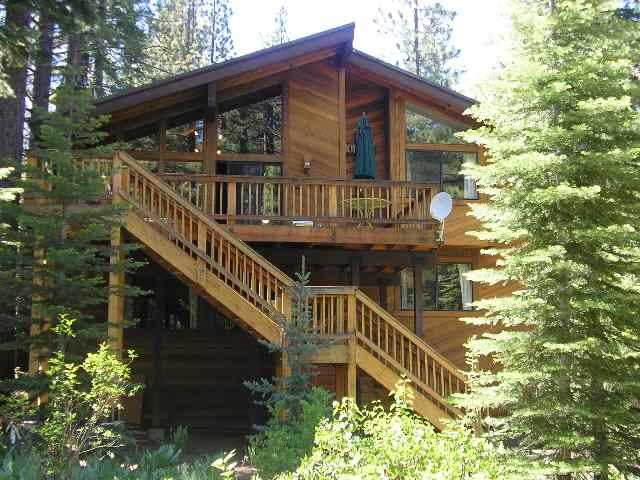 Single Family Home for Active at 832 Beaver Pond 832 Beaver Pond Truckee, California 96161 United States
