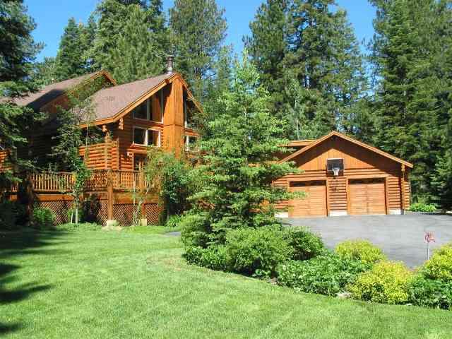 独户住宅 为 销售 在 10940 Pine Cone Court 10940 Pine Cone Court 特拉基, 加利福尼亚州 96161 美国