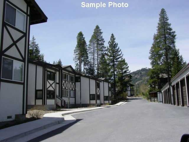 Condominio/ Casa de pueblo por un Venta en 227 Squaw Valley Road 227 Squaw Valley Road Olympic Valley, California 96146 Estados Unidos