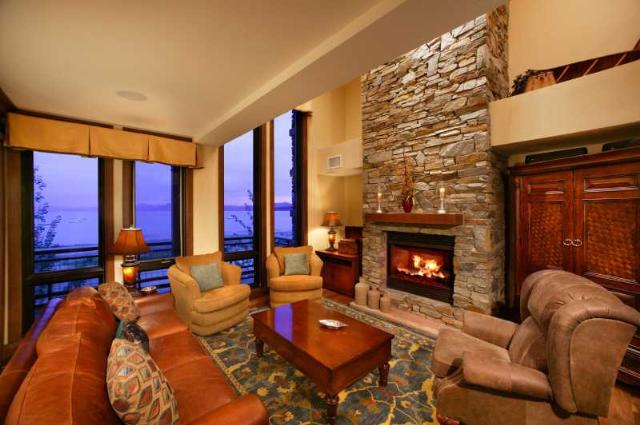 Additional photo for property listing at 6750 North Lake Boulevard 6750 North Lake Boulevard Tahoe Vista, California 96148 Estados Unidos