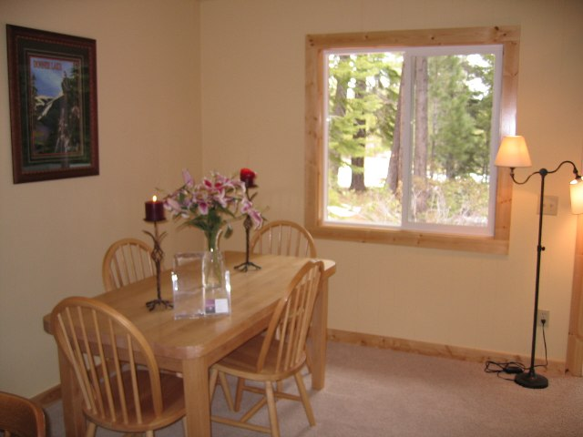 Additional photo for property listing at 14074 Skiview Lp 14074 Skiview Lp Truckee, California 96161 Estados Unidos