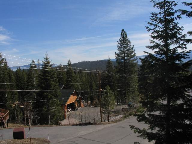 Additional photo for property listing at 10994 Skislope Way 10994 Skislope Way Truckee, California 96161 United States