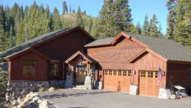 Single Family Home for Active at 16383 Skislope Way 16383 Skislope Way Truckee, California 96161 United States