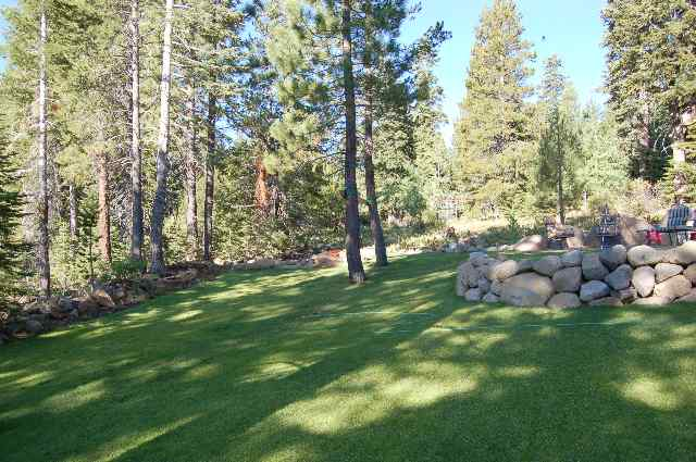 Additional photo for property listing at 16383 Skislope Way 16383 Skislope Way Truckee, California 96161 United States