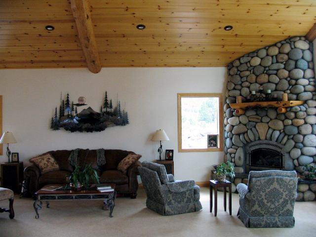 Additional photo for property listing at 13331 Hillside Drive 13331 Hillside Drive 特拉基, 加利福尼亚州 96161 美国