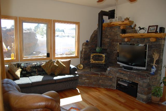 Additional photo for property listing at 13331 Hillside Drive 13331 Hillside Drive Truckee, California 96161 United States