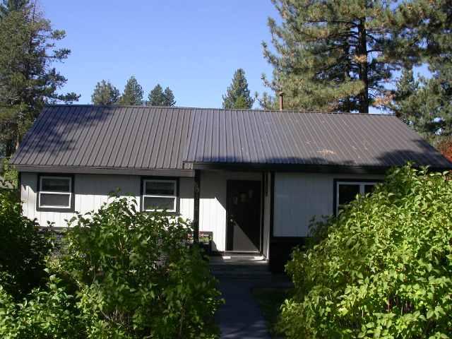 Single Family Home for Active at 10114 Vista Avenue 10114 Vista Avenue Truckee, California 96161 United States