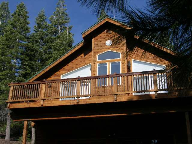 Additional photo for property listing at 11046 Evergreen Circle 11046 Evergreen Circle Truckee, California 96161 United States