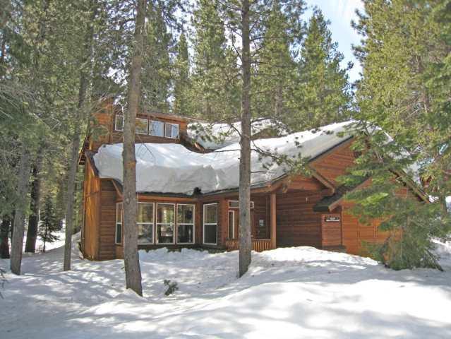 独户住宅 为 销售 在 13617 Cristallina Way 13617 Cristallina Way 特拉基, 加利福尼亚州 96161 美国