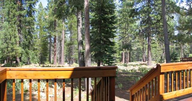 Additional photo for property listing at 13802 Skiview Lp Truckee, California 96161 United States