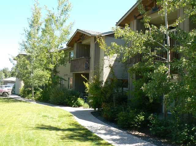 Condominio/ Casa de pueblo por un Venta en 10130 Donner Trail 10130 Donner Trail Truckee, California 96161 Estados Unidos