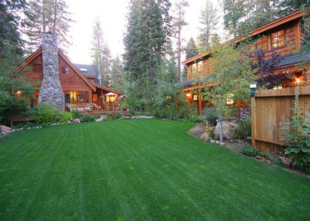 独户住宅 为 销售 在 2817 Sierra View Avenue 2817 Sierra View Avenue 塔霍湖城, 加利福尼亚州 96145 美国