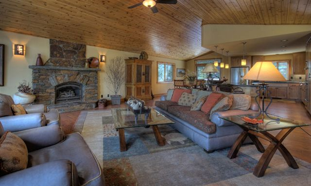 Additional photo for property listing at 12968 Solvang Way Truckee, California 96161 United States