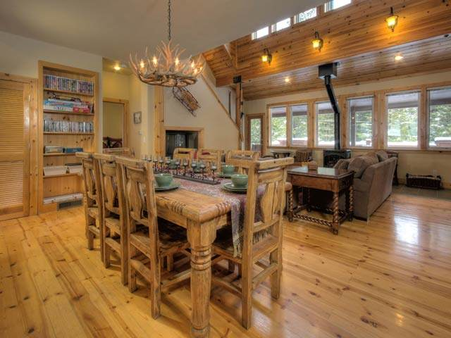 Additional photo for property listing at 12464 Lausanne Way Truckee, California 96161 United States