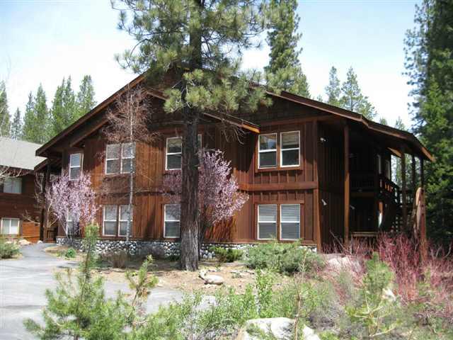 公寓 / 联排别墅 为 销售 在 11249 Northwoods Boulevard 11249 Northwoods Boulevard 特拉基, 加利福尼亚州 96161 美国