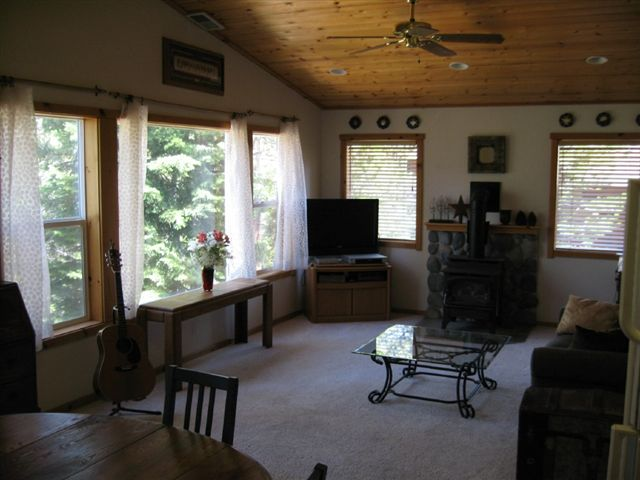Additional photo for property listing at 11249 Northwoods Boulevard 11249 Northwoods Boulevard 特拉基, 加利福尼亚州 96161 美国