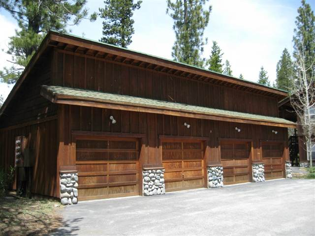 Additional photo for property listing at 11249 Northwoods Boulevard 11249 Northwoods Boulevard Truckee, California 96161 United States