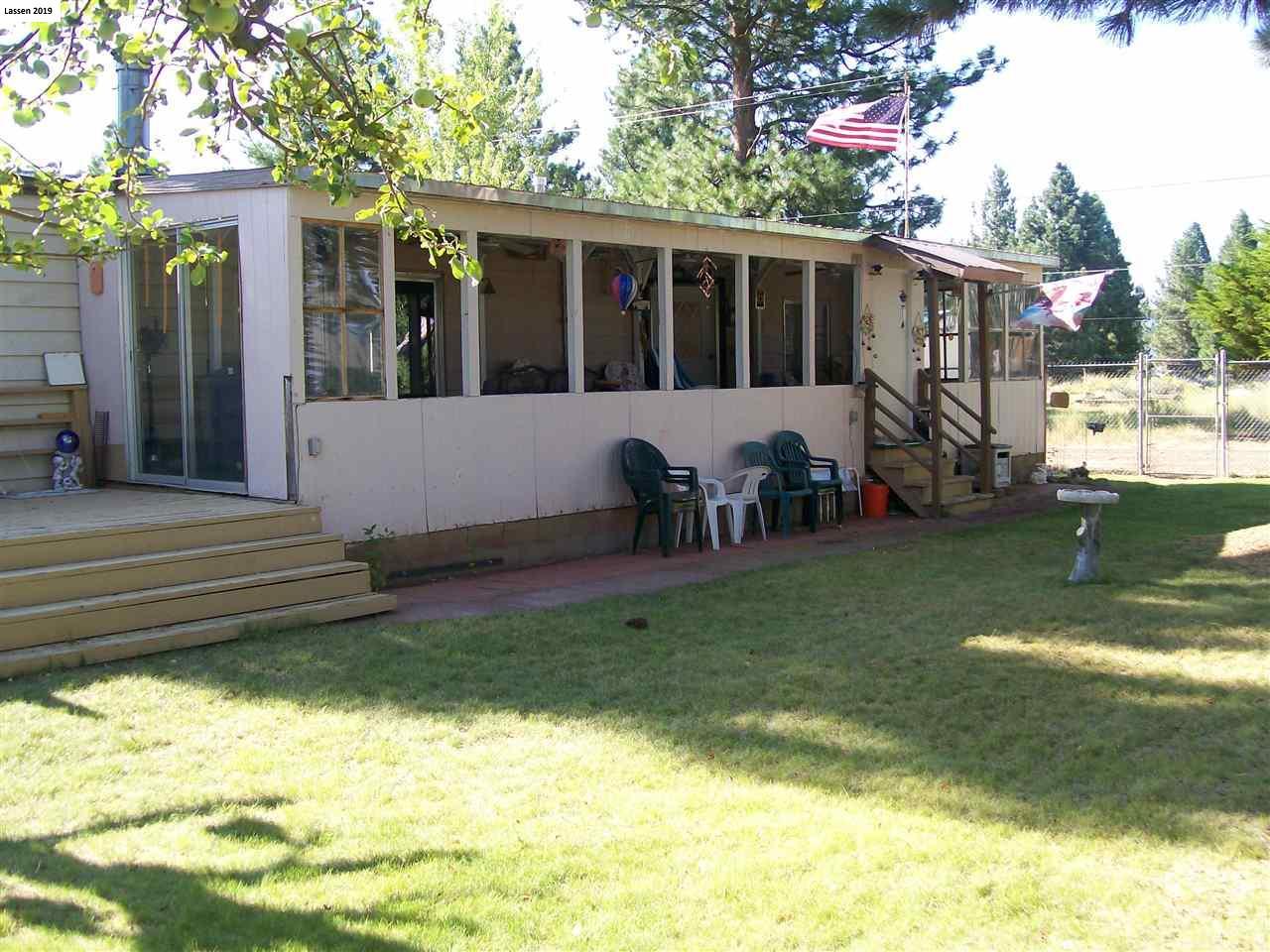 687-820 Redwood Way