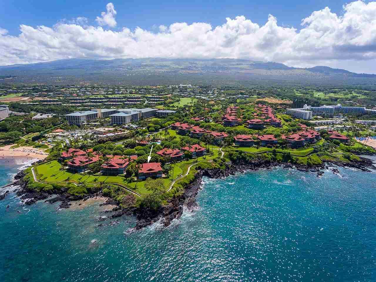 Wailea Point 402 is the premium unit in the incomparable location at Wailea Point as it is literally 'The Point' of Wailea Point. Built by the original Developer for himself it has only been available for sale once previously since 1986.
