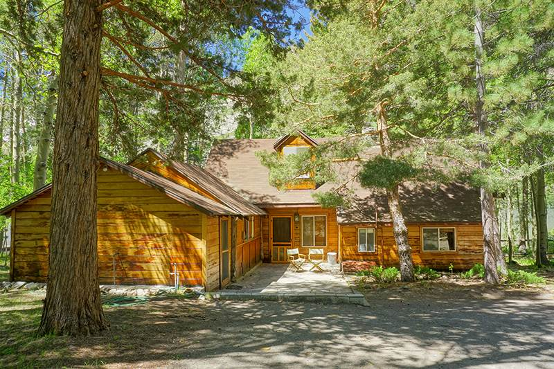 879 Nevada St., June Lake, CA 93529