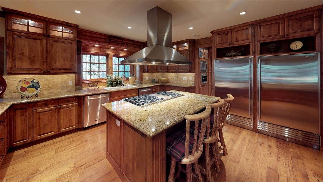 221 Starwood Drive, Mammoth Lakes, CA 93546