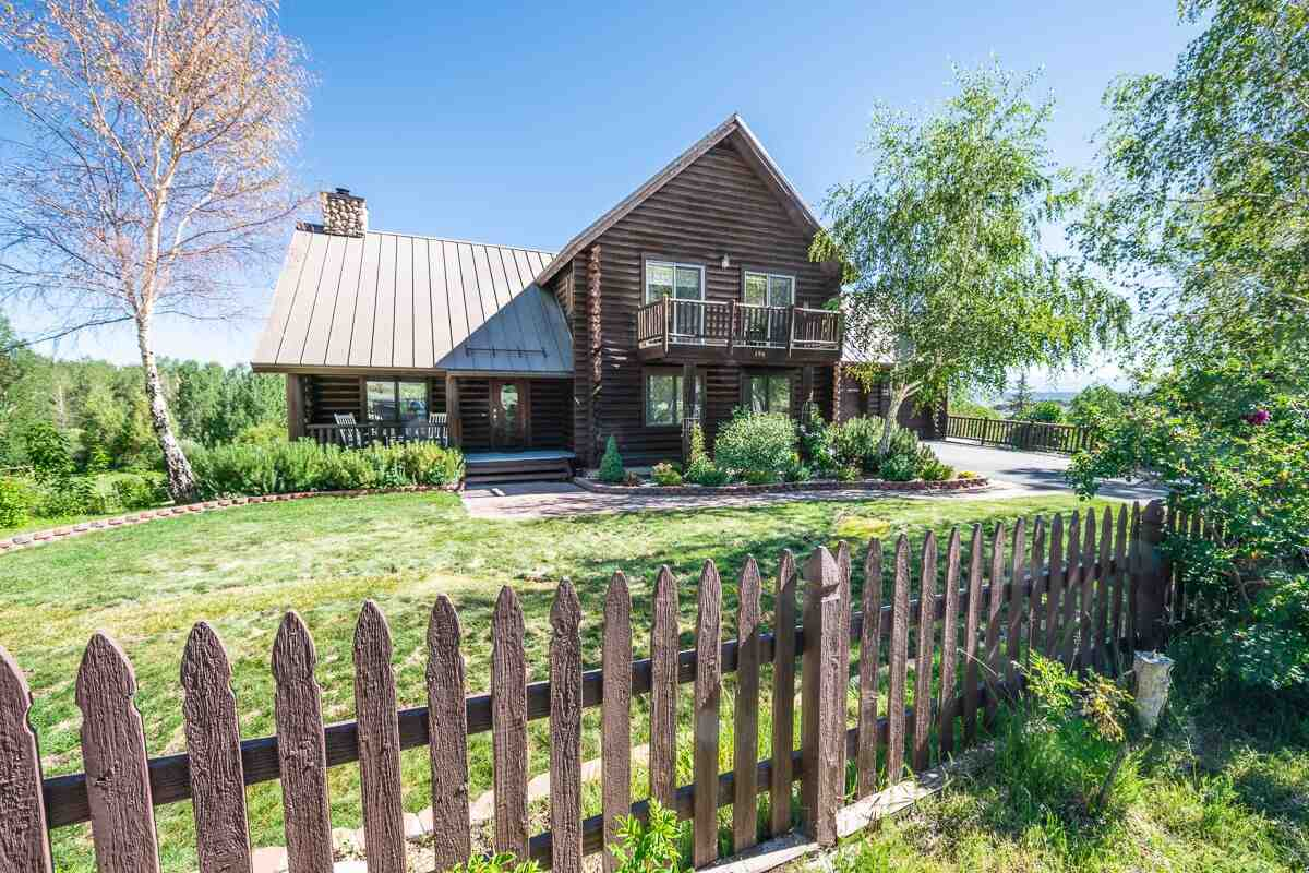 194 Hilton Creek Drive, Crowley Lake, CA 93546