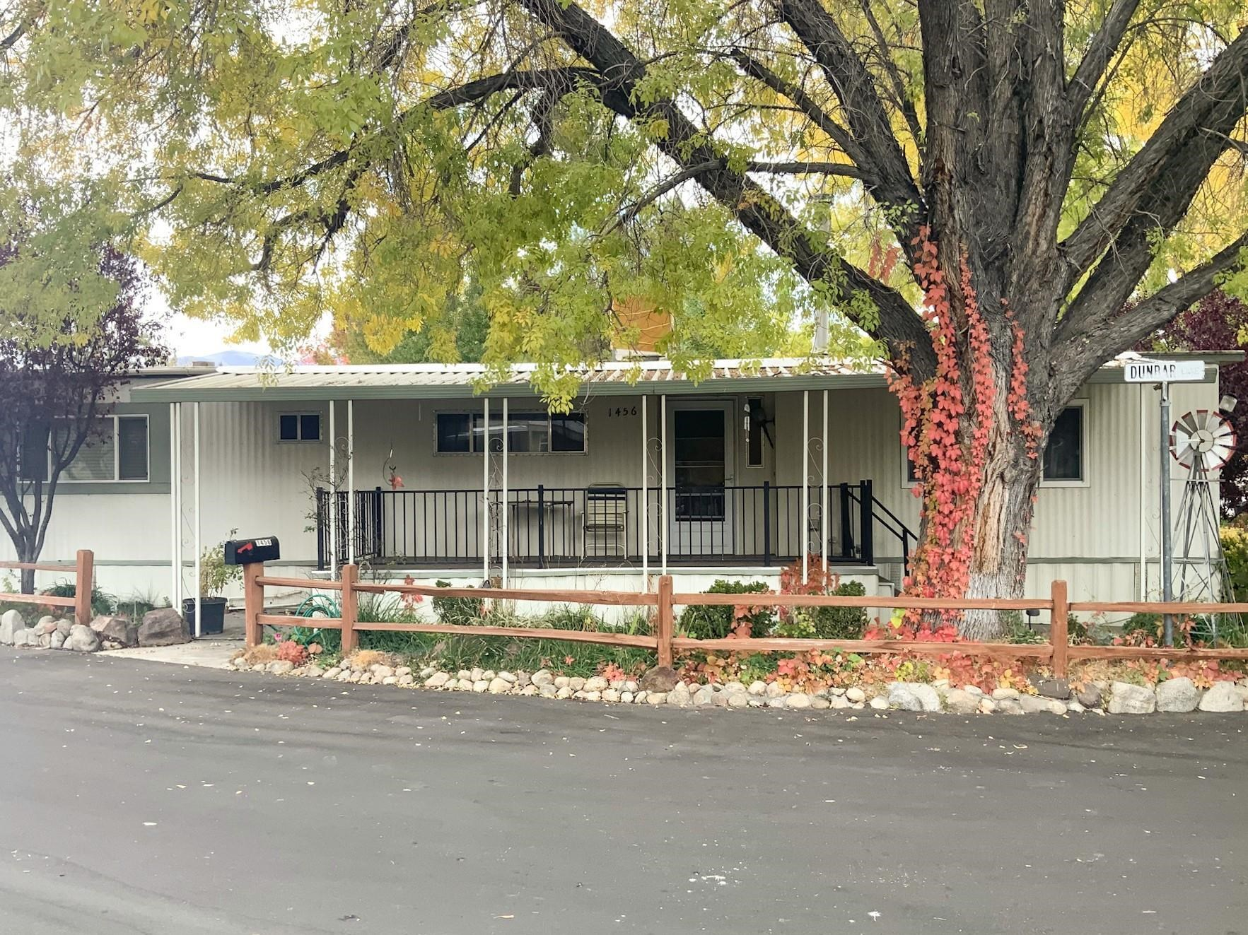 This is a 2 bedroom 2 bathroom mobile home on a quiet interior corner of Highlands Sr mobile home park. Covered patio, large shade trees. Light interior with most windows being dual pane. Kitchen was updated several years ago. Spacious bedrooms. Laundry area.