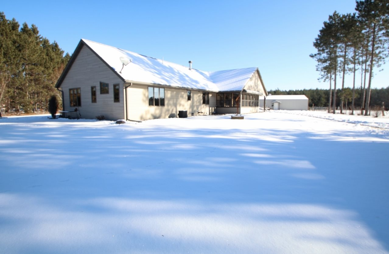 W10745 KOTTKE Road,CRIVITZ,Wisconsin 54114-8111,3 Bedrooms Bedrooms,3.1 BathroomsBathrooms,Residential,KOTTKE,50195490
