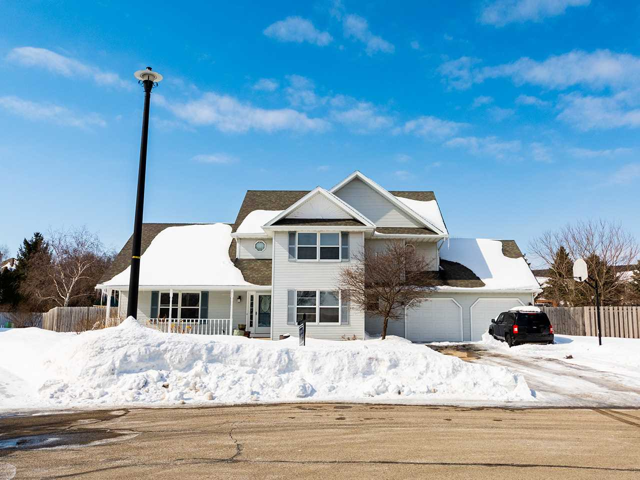 East De Pere Home for Sale in Wisconsin