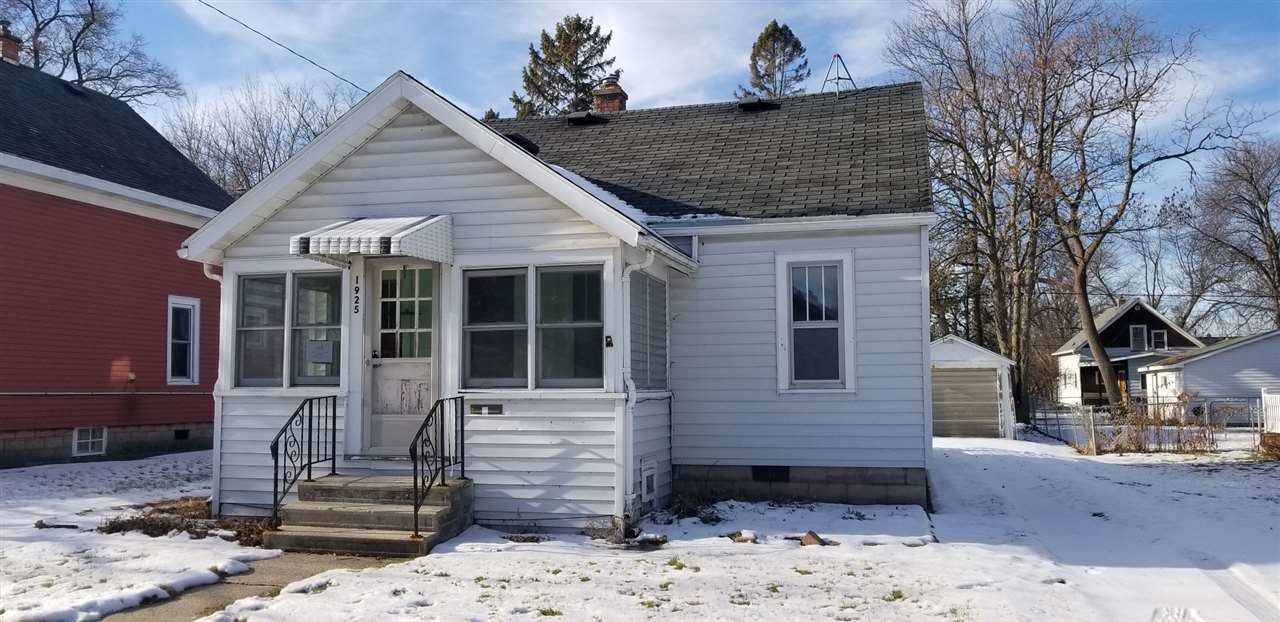 1925 JEFFERSON Street,OSHKOSH,Wisconsin 54901,3 Bedrooms Bedrooms,1 BathroomBathrooms,Residential,JEFFERSON,50195892