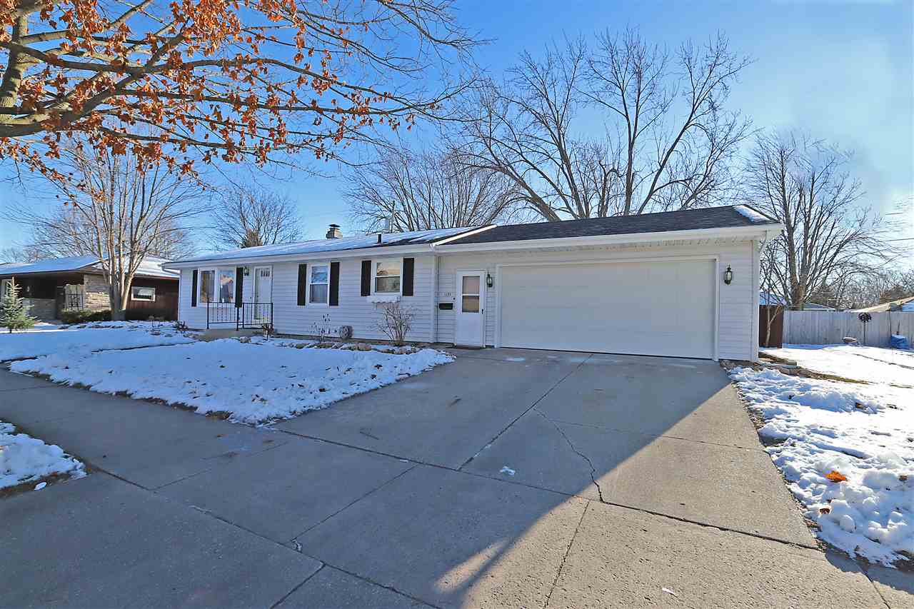 1135 MARQUETTE Street,APPLETON,Wisconsin 54914-2313,3 Bedrooms Bedrooms,1.1 BathroomsBathrooms,Residential,MARQUETTE,50195895