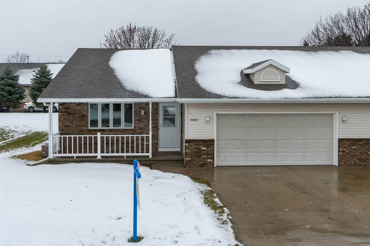 N9665 GINA Drive,APPLETON,Wisconsin 54915,3 Bedrooms Bedrooms,2 BathroomsBathrooms,Residential,GINA,50195933