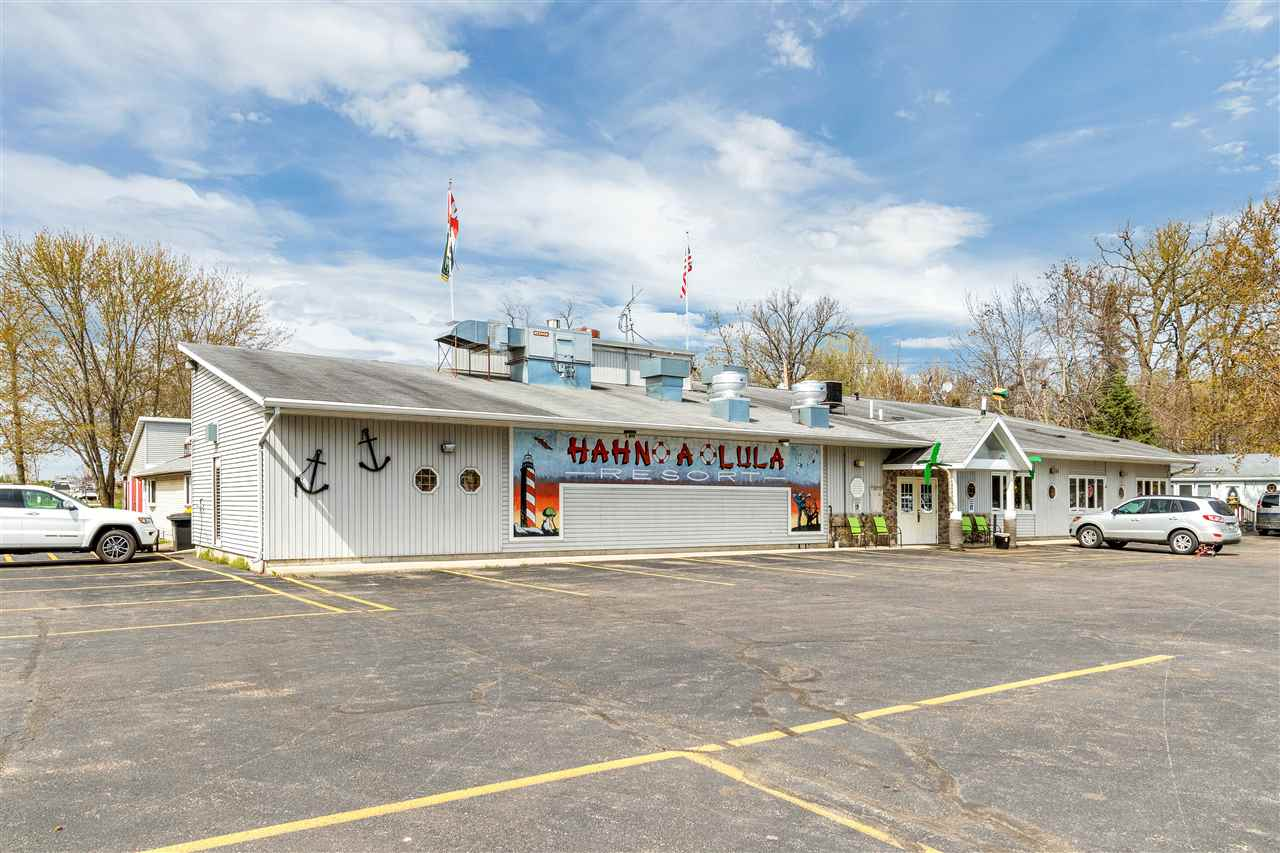 8861 S Wolf River Drive, Fremont, WI 54940