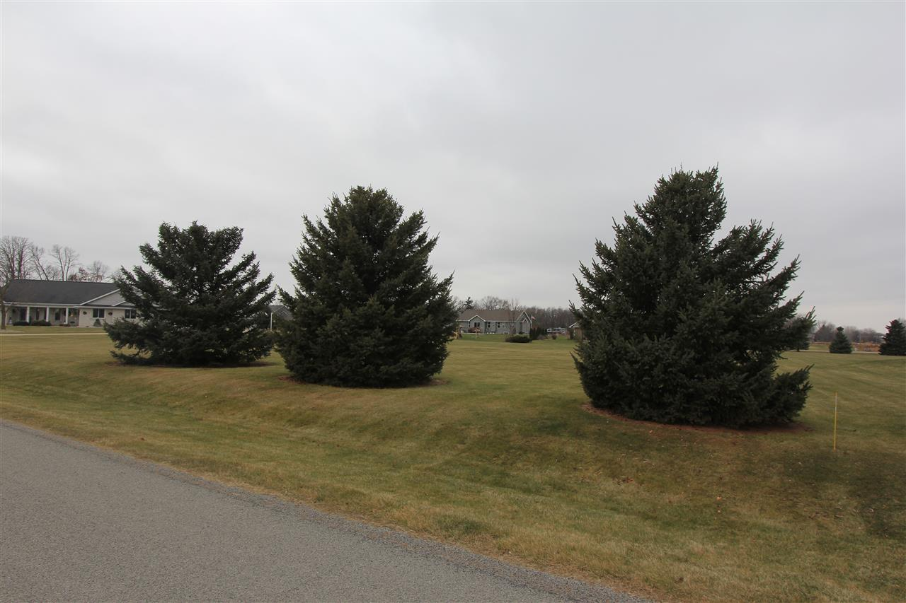 HARD TO FIND, 1+ acre lot located blocks from Lake Winnebago! Town of Neenah taxes! Ready to build your dream home. Municipal sewer near by... Beautiful lot ready for your designed build!!