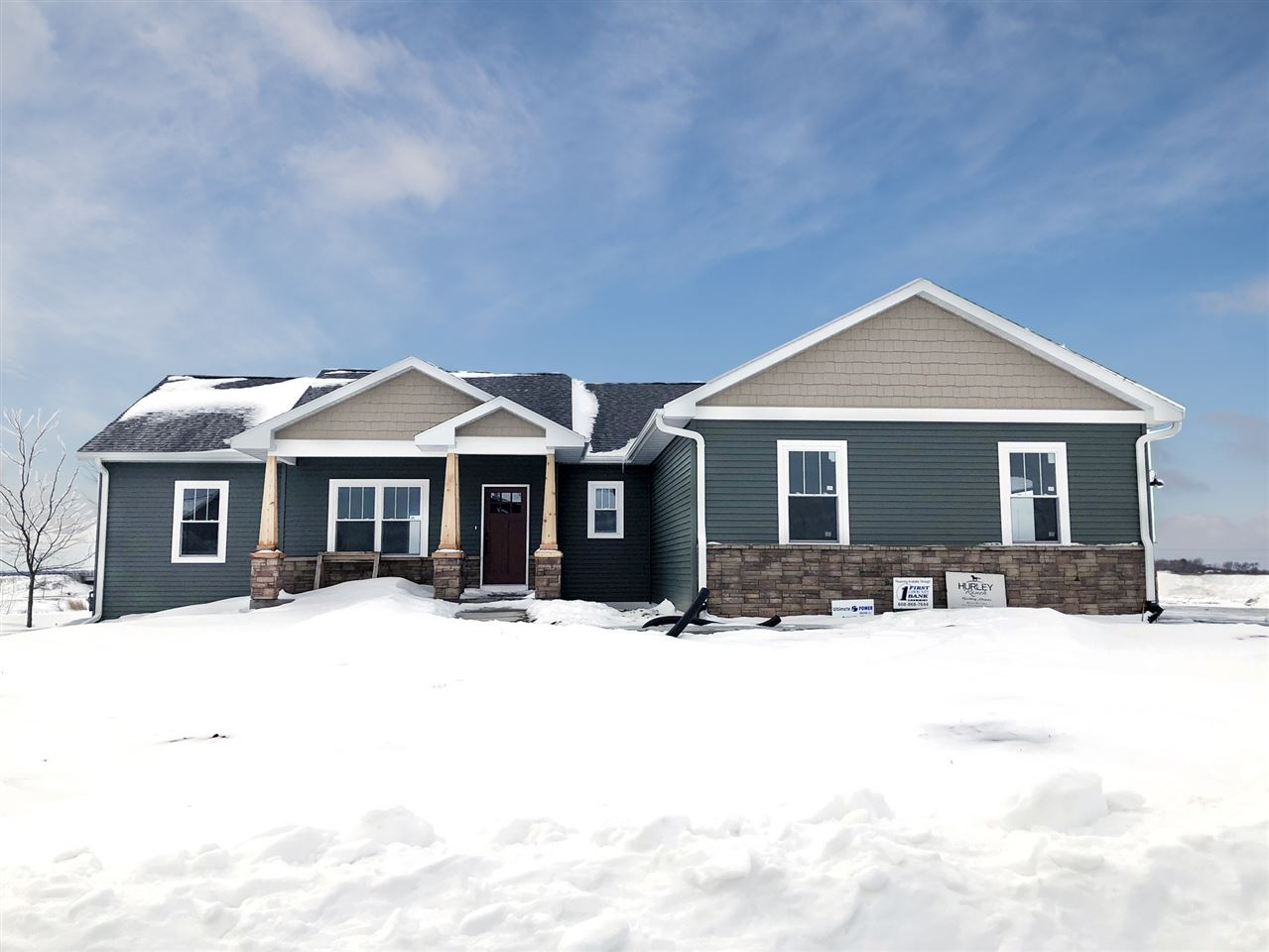 Complete Feb. 2019. NEW CRAFTSMAN HOME in beautiful Rockport Ridge Subdivision! Buy now & select your finishes! Home showcases gabled peaks, craftsman pillars, 9' walls,  open floor plan w/vaulted ceilings. Kitchen features solid maple Grey cabinets, large island, pantry, ss appliances & engineered hardwood floors. Spacious 3 car garage & laundry/mudrm incl front load washer & dryer. Master bdrm features 10' tray ceiling, large bath & huge walk-in closet. Basement stubbed for 3rd bath. Basement finishing available!