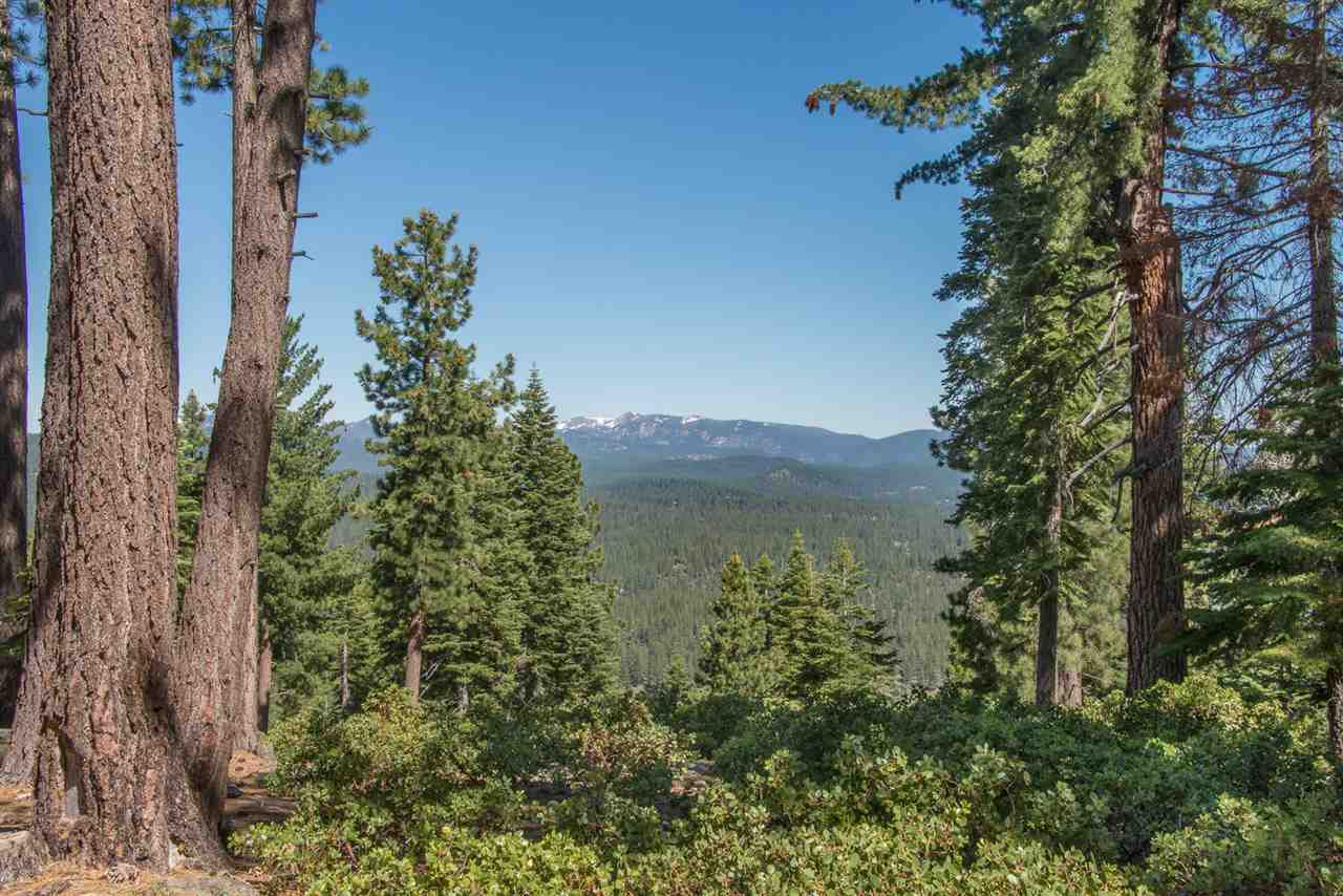 Additional photo for property listing at 1942 Gray Wolf Truckee, California 96161 United States