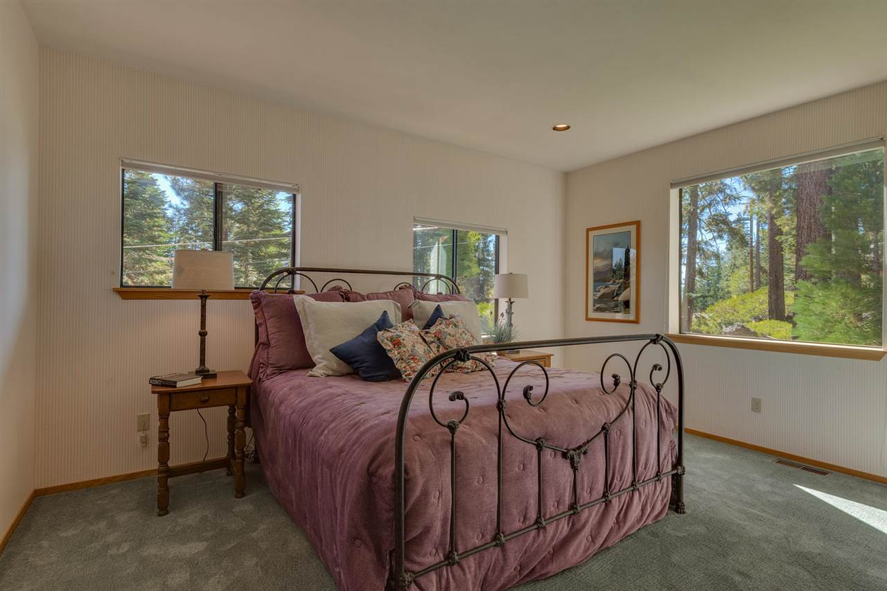 Additional photo for property listing at 853 Beverly Drive 853 Beverly Drive Carnelian Bay, California 96140 United States