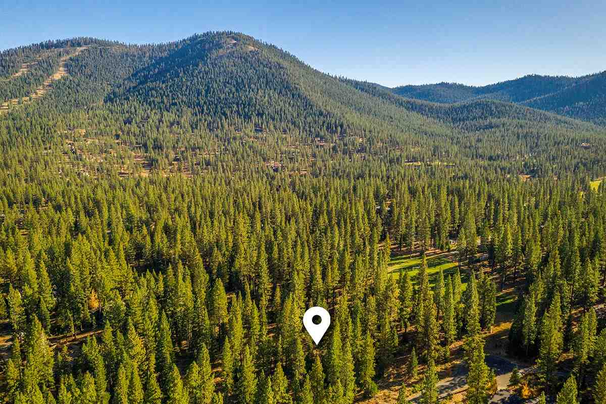 Land for Active at 8210 Olana Court Truckee, California 96161 United States