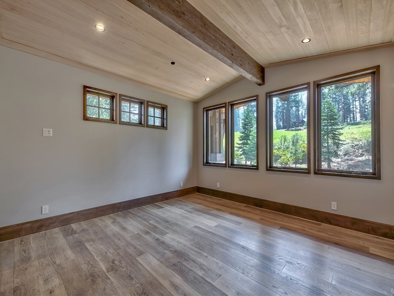 Additional photo for property listing at 13228 Snowshoe Thompson 13228 Snowshoe Thompson Truckee, California 96161 United States