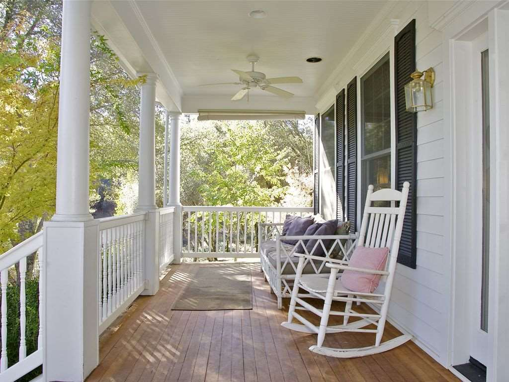 Additional photo for property listing at 11615 Overhill Drive 11615 Overhill Drive Auburn, California 95602 United States
