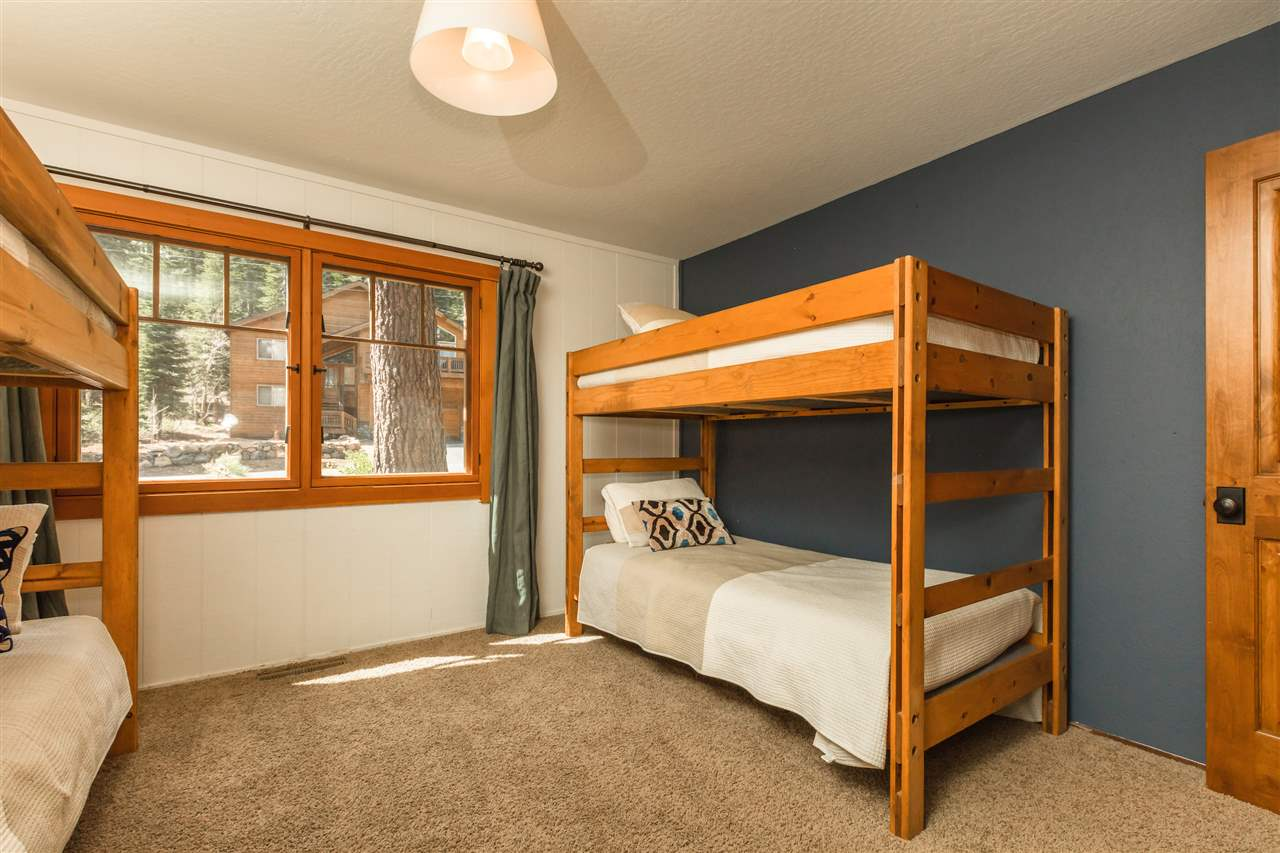 Additional photo for property listing at 14138 Herringbone Way 14138 Herringbone Way Truckee, California 96161 United States