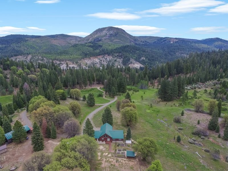 Single Family Home for Active at 660 Cub Valley Road 660 Cub Valley Road Lake Almanor, California 96103 United States