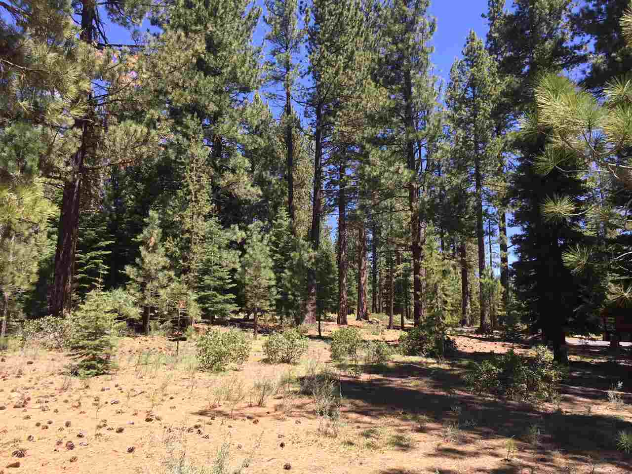 Additional photo for property listing at 12438 Granite Drive 12438 Granite Drive Truckee, California 96161 United States