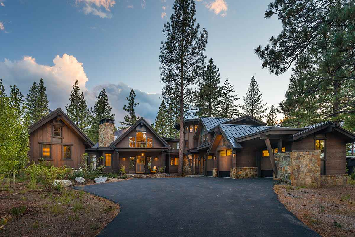 Single Family Home for Active at 9719 Hunter House Drive 9719 Hunter House Drive Truckee, California 96161 United States