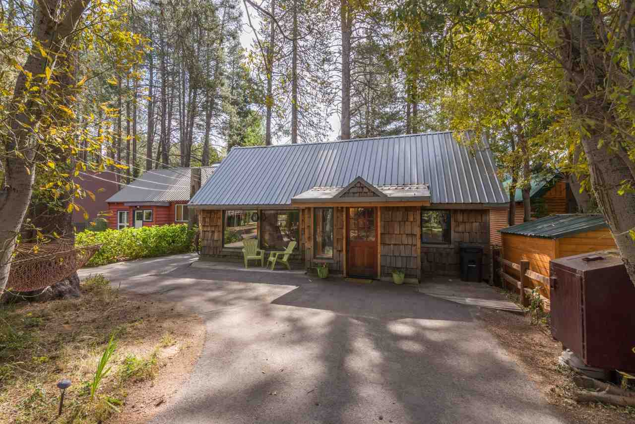 Additional photo for property listing at 16119 Old Highway Drive 16119 Old Highway Drive Truckee, California 96161 United States