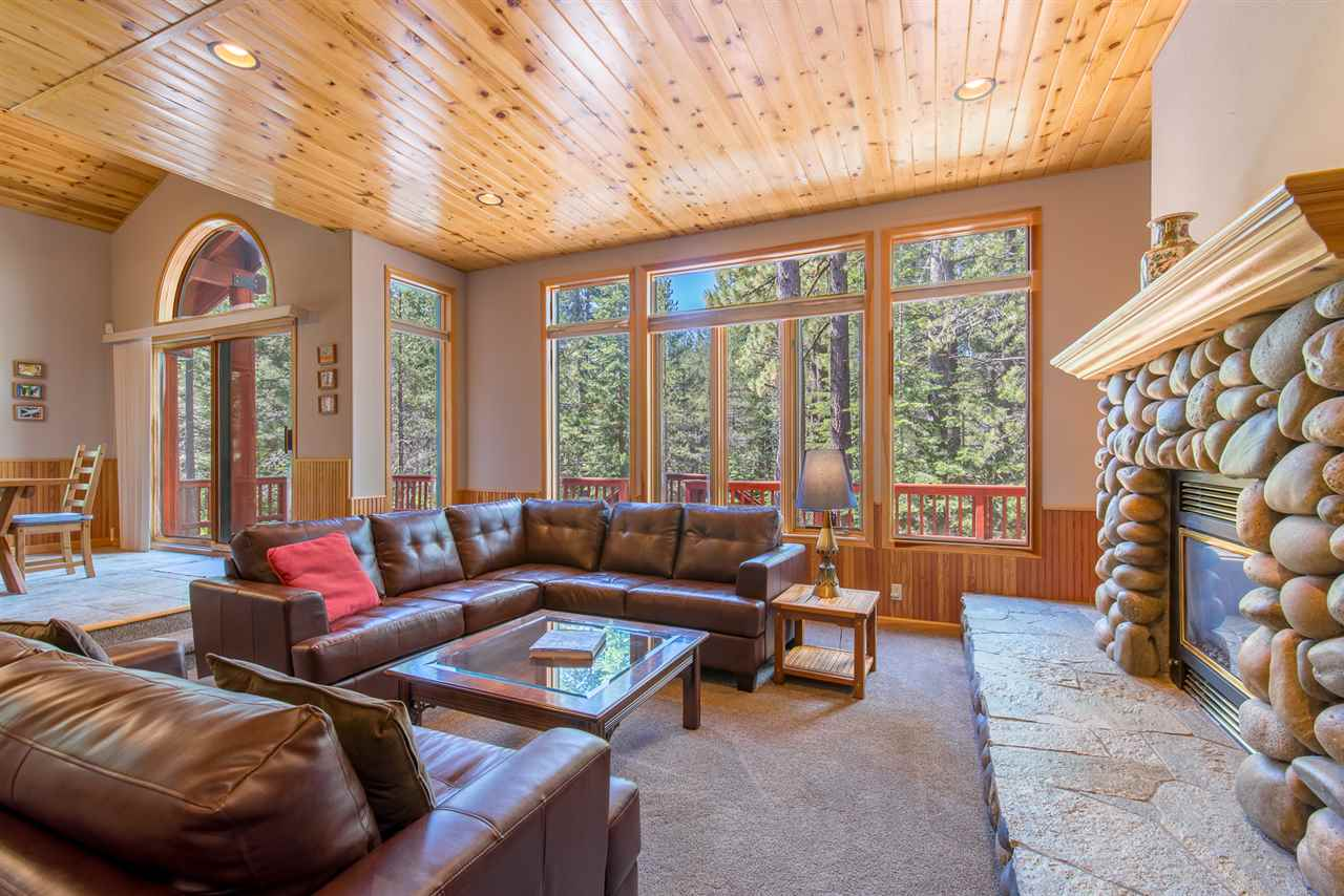 Additional photo for property listing at 13264 Ski View Loop Truckee, California 96161 United States