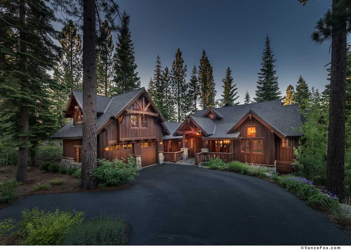 Casa Unifamiliar por un Venta en 2326 Overlook Place 2326 Overlook Place Truckee, California 96161 Estados Unidos