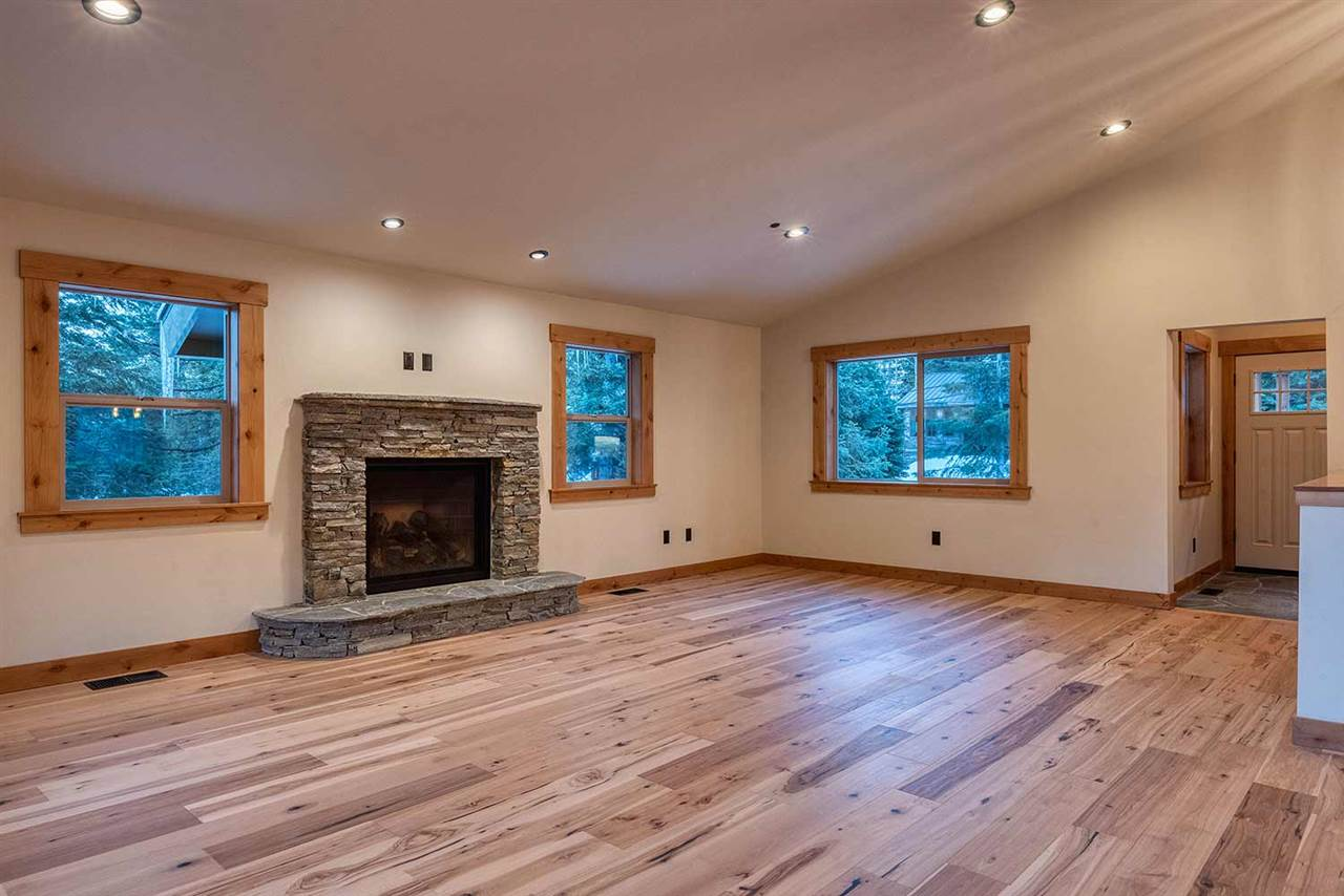 Additional photo for property listing at 10738 Ponderosa Drive 10738 Ponderosa Drive Truckee, California 96161 United States