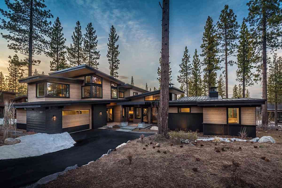 Single Family Home for Active at 8307 Kenarden Drive 8307 Kenarden Drive Truckee, California 96161 United States
